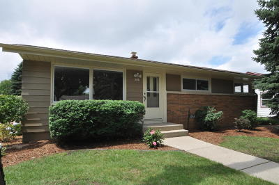 Milwaukee Single Family Home For Sale: 4229 N 88th St