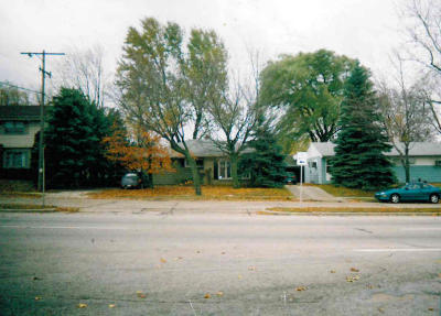 Milwaukee WI Single Family Home For Sale: $64,900