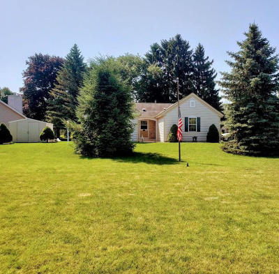 Greenfield Single Family Home Active Contingent With Offer: 9765 W Plainfield Ave