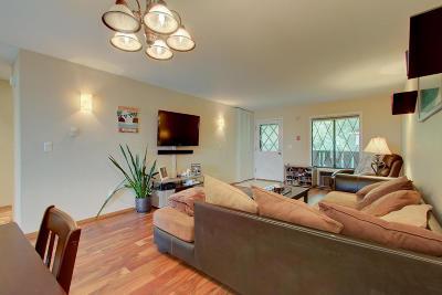 Pewaukee Condo/Townhouse For Sale: 1334 Greenhedge Rd #B-7