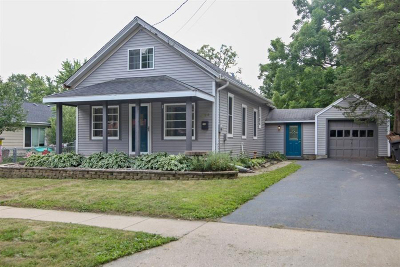 Mukwonago Single Family Home For Sale: 315 Lincoln Ave