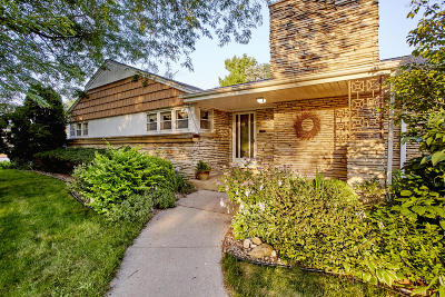 Milwaukee Single Family Home For Sale: 2820 N Menomonee River Park