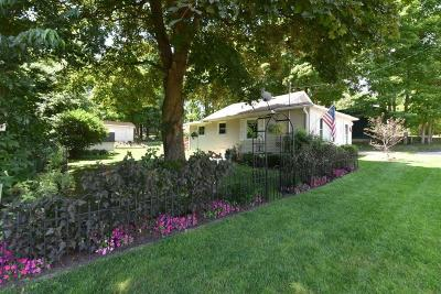 Williams Bay Single Family Home For Sale: 139 Hickory St