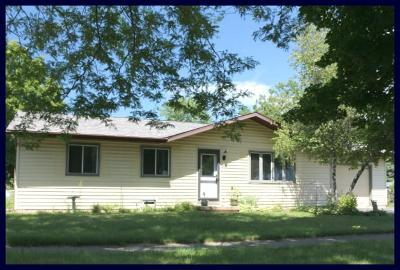 Fort Atkinson Single Family Home Active Contingent With Offer: 1216 W Cramer St