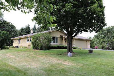 West Bend Single Family Home For Sale: 5107 Wayne Dr