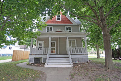 Watertown Single Family Home For Sale: 709 S 4th St