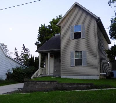Watertown Single Family Home For Sale: 609 Cole St