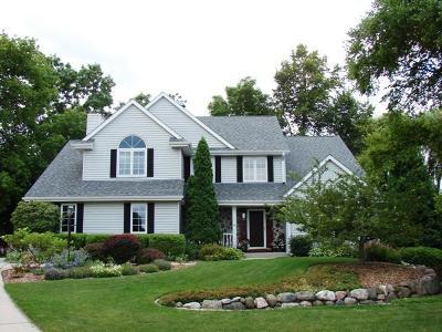 Oak Creek Single Family Home For Sale: 1131 E Stonegate Dr