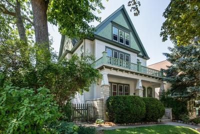 Milwaukee Single Family Home Active Contingent With Offer: 3247 S Delaware Ave