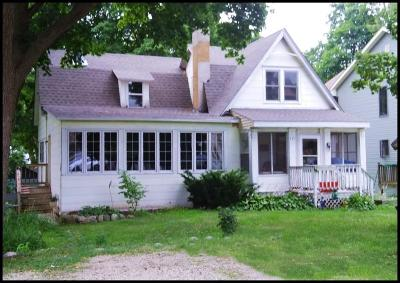 Williams Bay Single Family Home For Sale: 133 Clover St