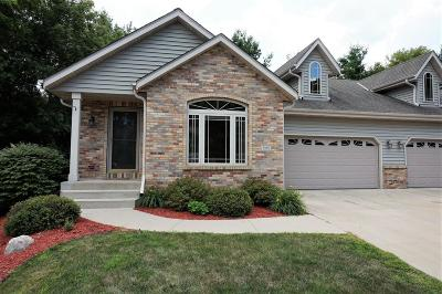 Slinger Condo/Townhouse Active Contingent With Offer: 1315 Oak Tree Court #7