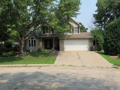 Jefferson Single Family Home For Sale: 537 Crestwood Ct