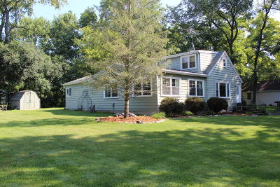 Delavan Single Family Home Active Contingent With Offer: 4308 Silverwood Dr