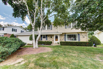 New Berlin Single Family Home For Sale: 3620 S Brentwood Rd