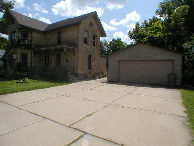Watertown Single Family Home For Sale: 607 Dodge St
