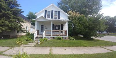 Peshtigo Single Family Home For Sale: 190 S Ellis