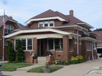Milwaukee Single Family Home For Sale: 3370 S Kinnickinnic Av