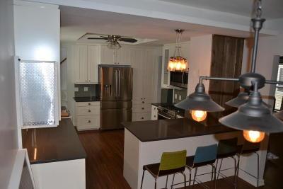 Milwaukee Single Family Home For Sale: 2204 S Aldrich St