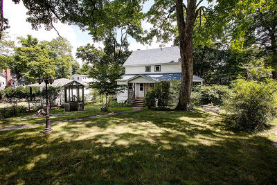 Williams Bay Single Family Home Active Contingent With Offer: 15 N Walworth Ave