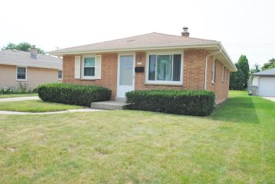 Single Family Home Active Contingent With Offer: 2337 W Carpenter Ave