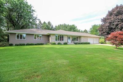 Cambridge Single Family Home For Sale: W9525 Grace Ln