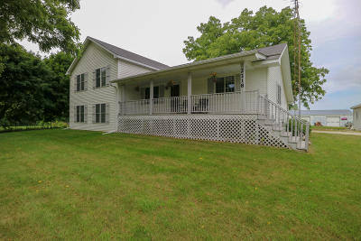 Kenosha County Single Family Home For Sale: 2218 128th St