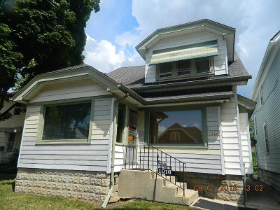West Allis Single Family Home Active Contingent With Offer: 1016 S 75th St