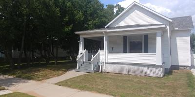 Menominee Single Family Home For Sale: 1316 14th Ave