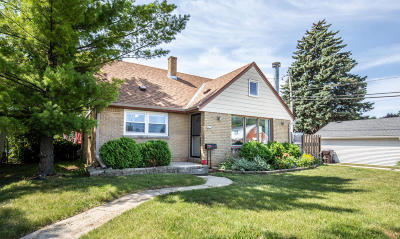 South Milwaukee Single Family Home Active Contingent With Offer: 1425 Mackinac Ave