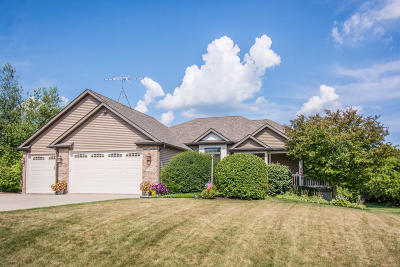 Lake Geneva Single Family Home Active Contingent With Offer: N1684 N Geneva Ave