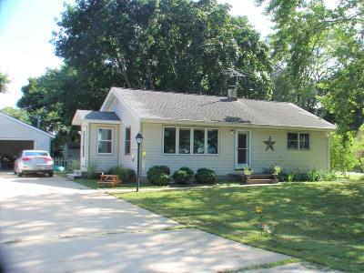 Eagle Single Family Home Active Contingent With Offer: 317 E Eagle St