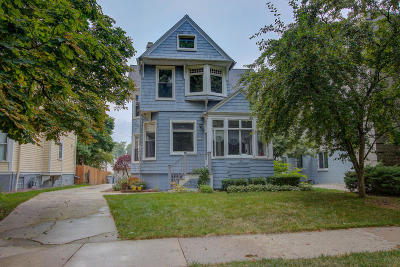 Milwaukee Single Family Home For Sale: 2535 N Frederick Ave