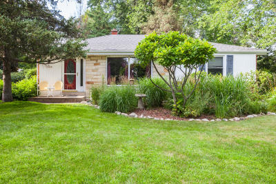 Brookfield Single Family Home For Sale: 14030 Regis St