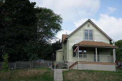 Ozaukee County Single Family Home Active Contingent With Offer: 313 N Crowns St
