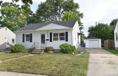 Milwaukee Single Family Home Active Contingent With Offer: 400 W Bottsford Ave