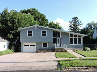 Fort Atkinson Single Family Home For Sale: 111 Frederick Ave