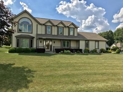 Germantown Single Family Home For Sale: W175n10349 Stoneridge Dr