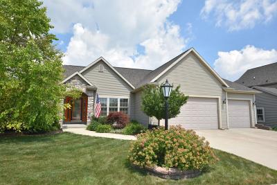 Port Washington Single Family Home For Sale: 1648 Shalestone Dr