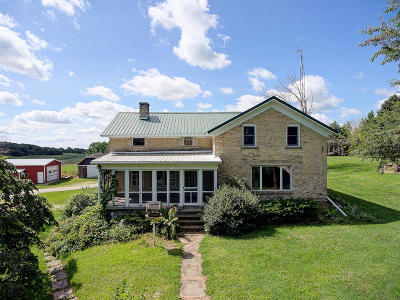 Jefferson County Single Family Home Active Contingent With Offer: W1835 Gopher Hill Rd