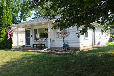 Ozaukee County Single Family Home Active Contingent With Offer: 1125 W Lincoln Ave