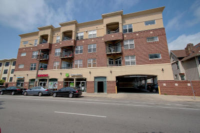 Milwaukee Condo/Townhouse Active Contingent With Offer: 1619 N Farwell Ave #306