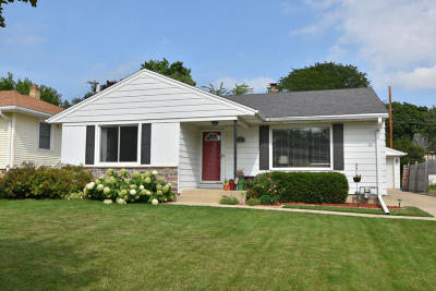 Wauwatosa Single Family Home Active Contingent With Offer: 222 N 114th St