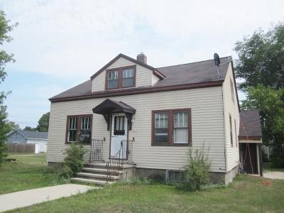 Menominee Single Family Home For Sale: 2200 15th Street