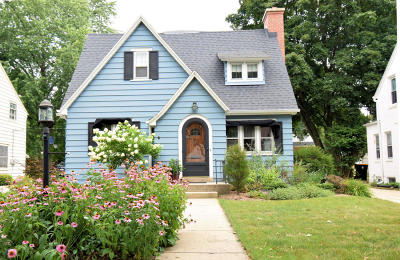 Milwaukee County Single Family Home Active Contingent With Offer: 2424 N 82nd St