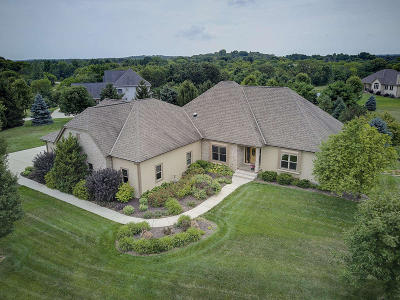 Waukesha Single Family Home For Sale: W315s3143 Harvest View Dr