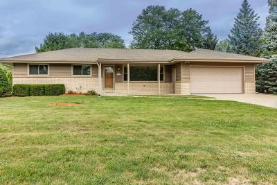 Menomonee Falls Single Family Home Active Contingent With Offer: N57w15566 El Camino Dr