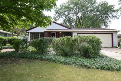South Milwaukee Single Family Home Active Contingent With Offer: 416 Willow Ln