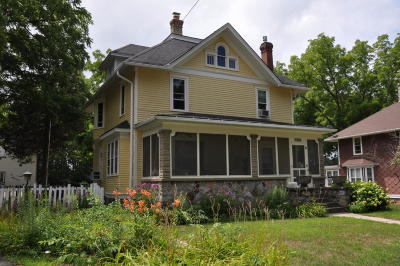 Mukwonago Single Family Home Active Contingent With Offer: 133 Eagle Lake Ave
