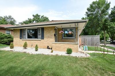 Milwaukee Single Family Home Active Contingent With Offer: 3841 S Griffin Ave