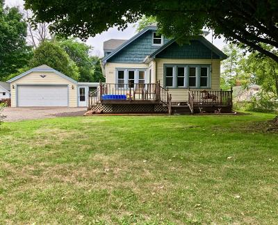 Ozaukee County Single Family Home Active Contingent With Offer: N5323 Park Ave